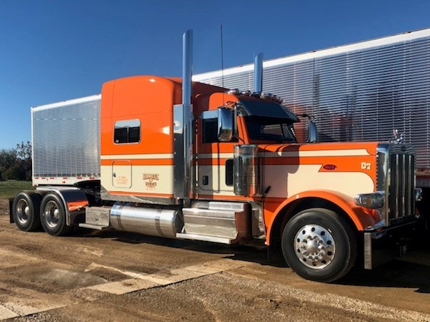 Habeck Trucking, Inc. provides several types of transportation services to meet our clients' needs. Whether you have a well-established route of customers with multiple loads to deliver in multiple locations, or if you're a new client with a partial load, we'll make sure it gets first rate service.